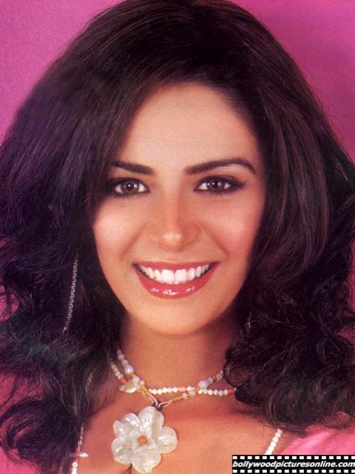 До этой роли Джесс Мона Сингх была известной моделью, но, подписав контракт с телевизионщиками, два года ходила пугалом с «железными зубками»...